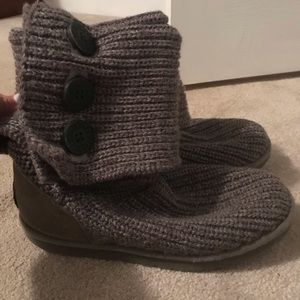 Uggs (barely worn, like new)